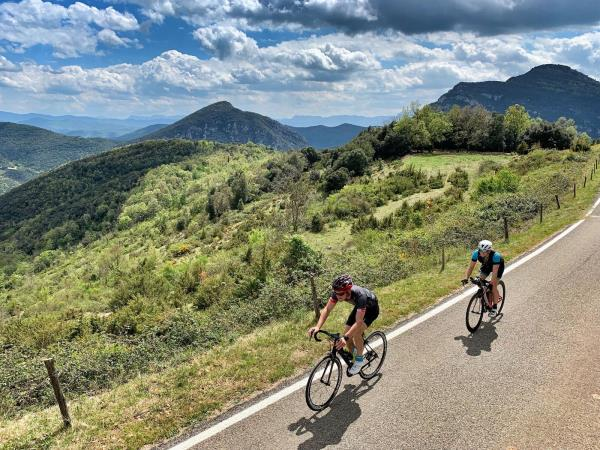 Cycling and yoga training weeks in Spain