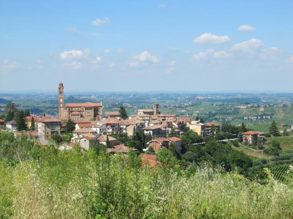 Piedmont self guided cycling holiday in Italy