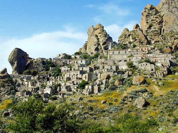 Calabria trekking holiday in Italy, tailor made