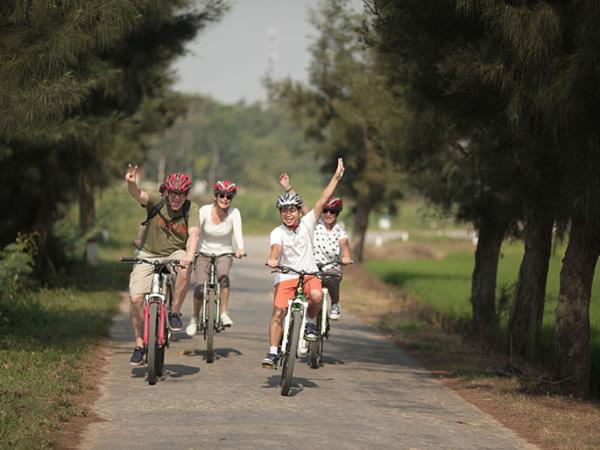 Vietnam overland tour, Hanoi to Saigon