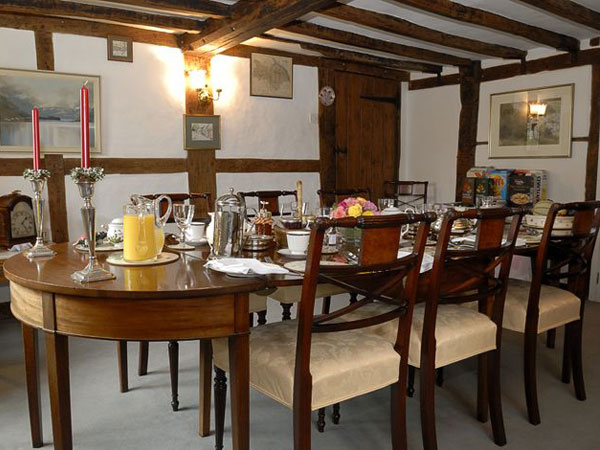 South Downs B&B in Upper Farringdon, England