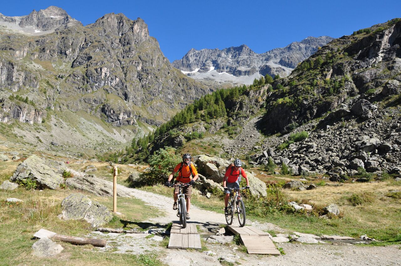 Multi-activity holiday in the French Alps