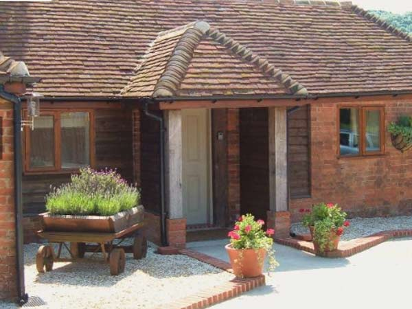South Downs self catering cottage near Petersfield, England