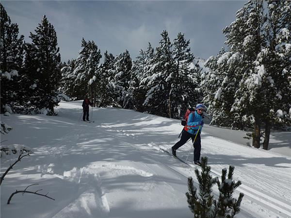 Pyrenees cross country skiing holiday in France