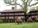 Chitwan luxury lodge accommodation, Nepal