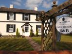 Dorking bed and breakfast, Denbies Farmhouse, England