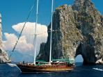 Archaeological cruise sailing holiday in Italy