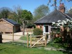 Berkshire self catering cottage, sleeps 2, England