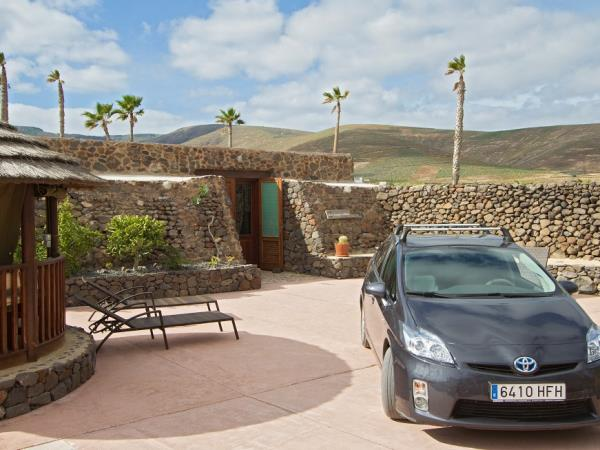 Lanzarote villa accommodation, Canary Islands