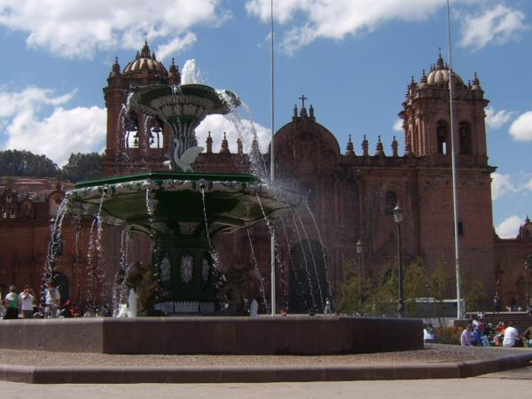 12 Day Cusco to Lima-Inca Trail & Lake Titicaca tour