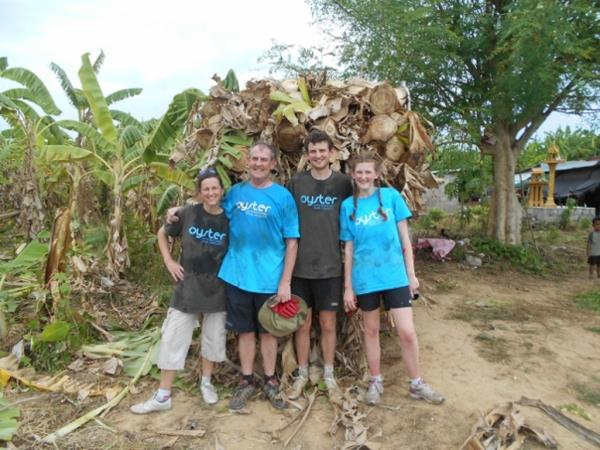 Family volunteering in Thailand
