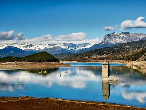 Spanish Pyrenees holiday, nature, culture & food