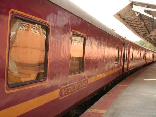 The Golden Chariot luxury train tour in India