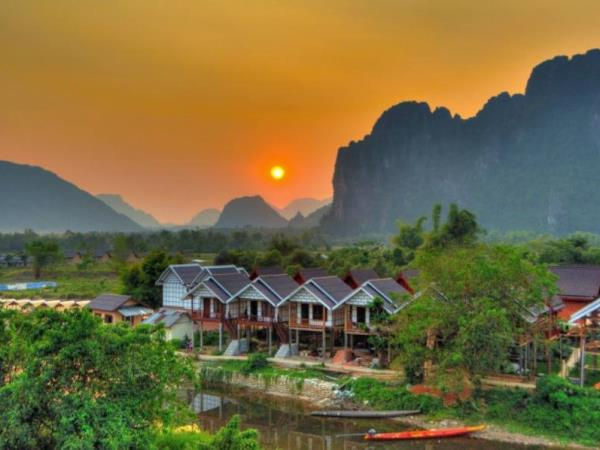6 day Laos tour, miracle of the North