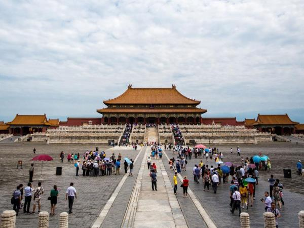Hong Kong to Beijing overland tours