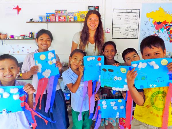 Teaching assistant volunteering in Thailand