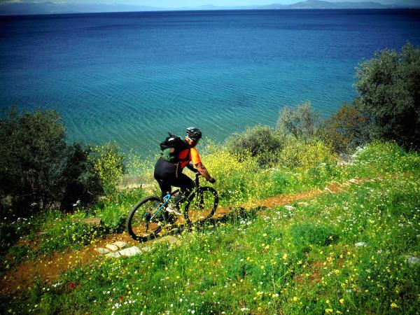 Greece cycling and walking holiday in the Pelion Peninsula