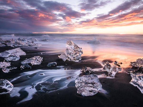 Midnight sun photography holiday in Iceland