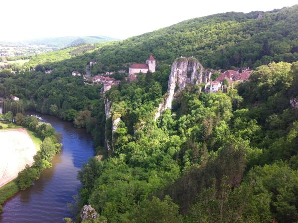Dordogne cycling tour, France
