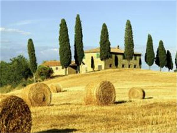 Tuscany self guided walking tour in Italy