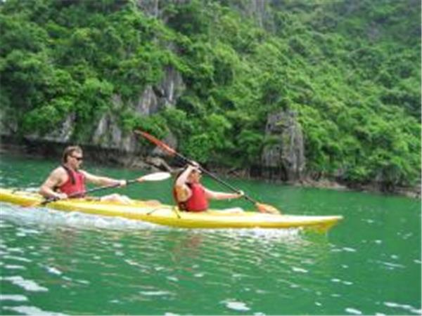 Kayaking holiday in Halong Bay, Vietnam