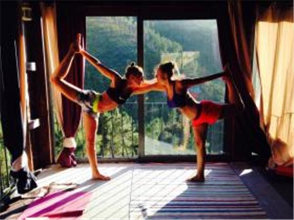 Yoga retreat in Portugal with dance