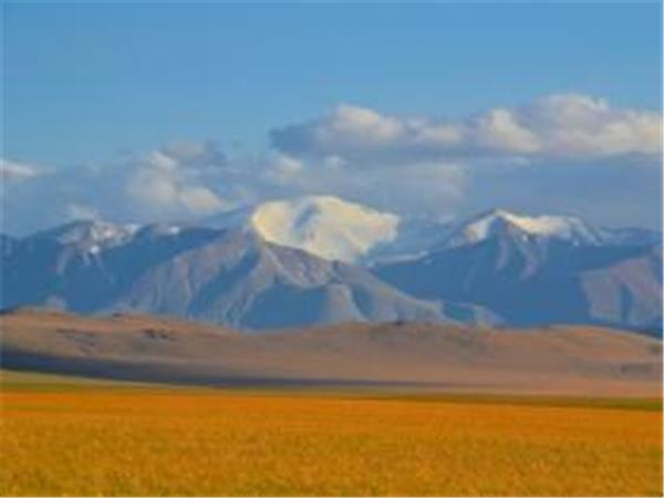 Mongolia hiking expedition, mountains and deserts