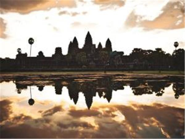 Small group tours to Vietnam and Cambodia