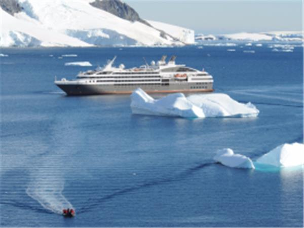 Antarctica, South Georgia & Falklands luxury cruise