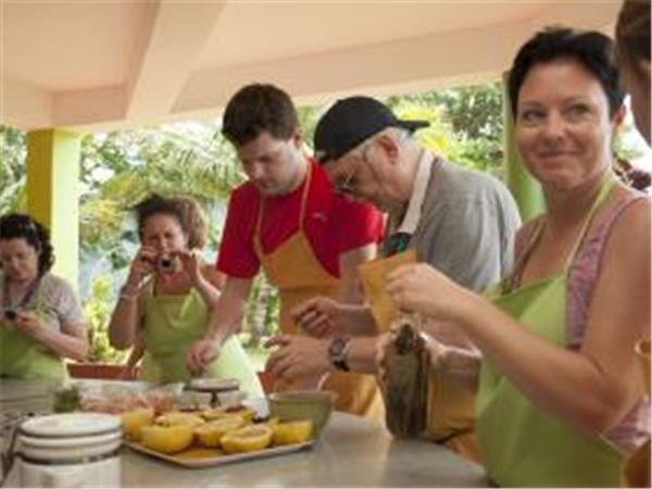 Cooking day tour in Dominica