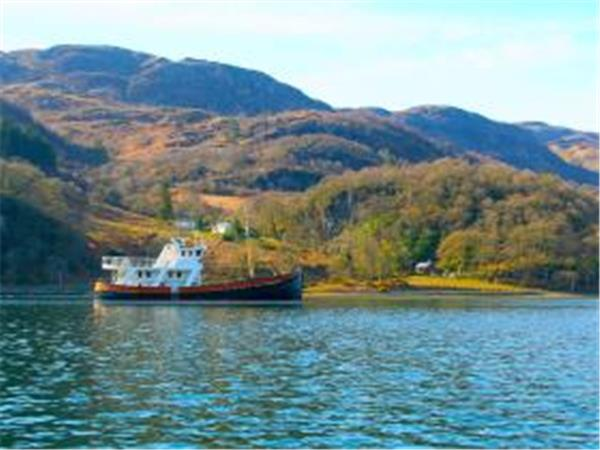 Private cruise charter in Scotland, sleeps 8