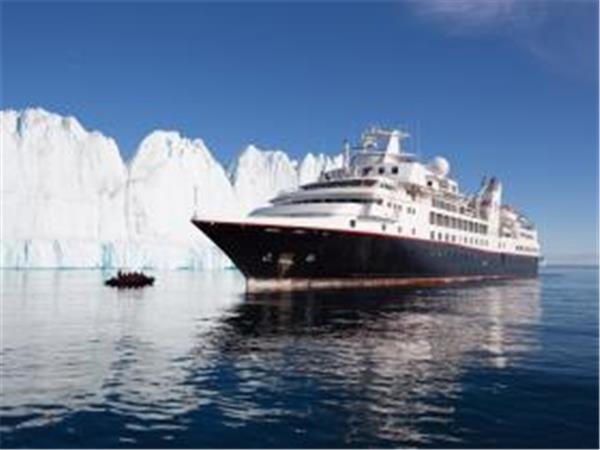 Svarlbard luxury cruise in the Arctic