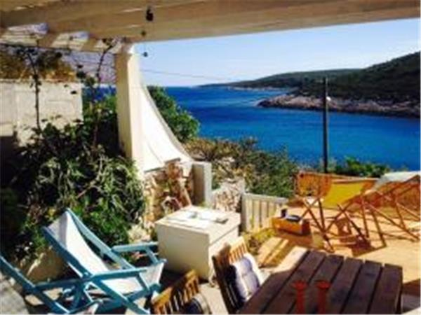 Croatia villa sleeping 4 on Vis Island