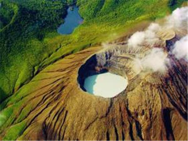 Costa Rica tailor made tour, volcanoes and beaches