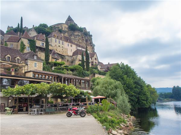 Dordogne activity holiday in France