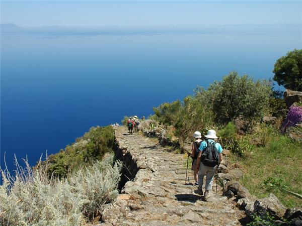 Sicily walking holiday, Sicilian Volcanoes