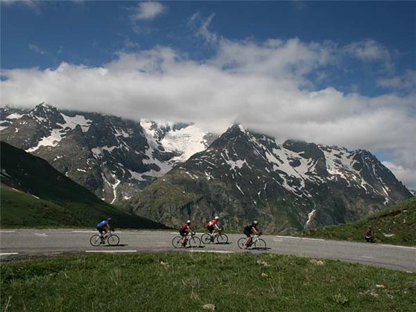Climbs of the Alps cycling holiday, France