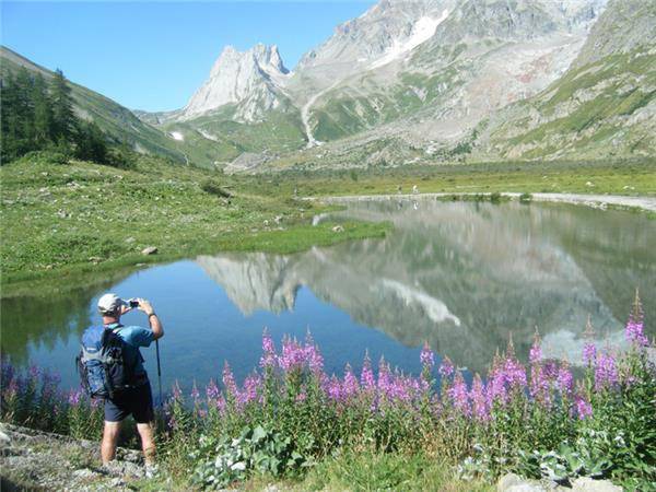 Mont Blanc Circuit classic walking tour, 8 days