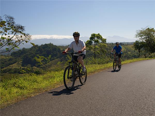 Coast to coast cycling holiday in Costa Rica