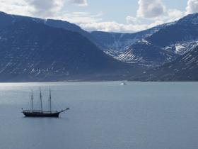 Greenland sailing holiday