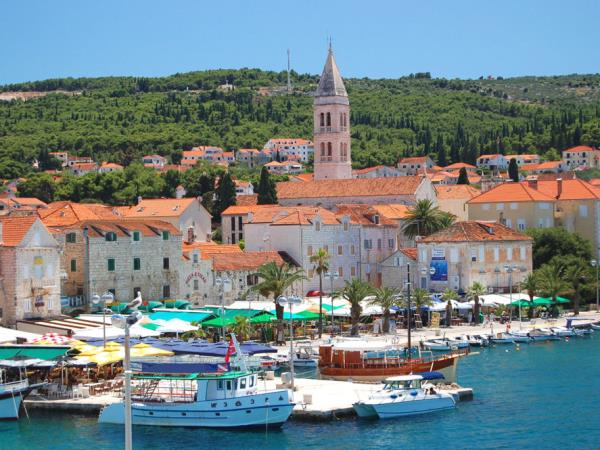 Croatia island family activity holiday for teenagers