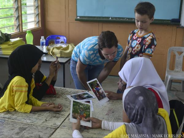 Borneo family volunteering holiday
