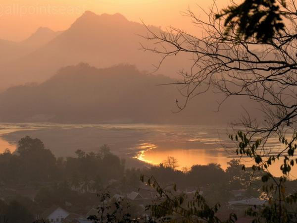 Laos holiday, Luang Prabang and the Plain of Jars