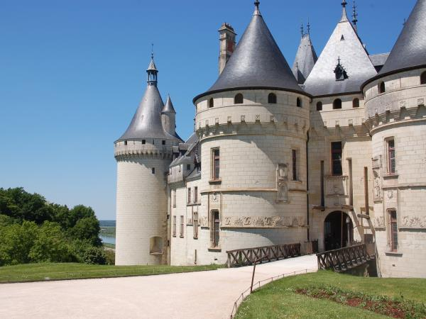 Chateau to Chateau family cycling tour in the Loire