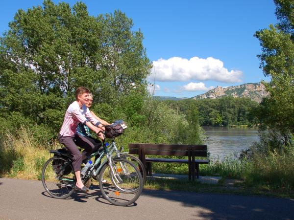 The Via Rhona cycling tour, Vienne to Mont�limar