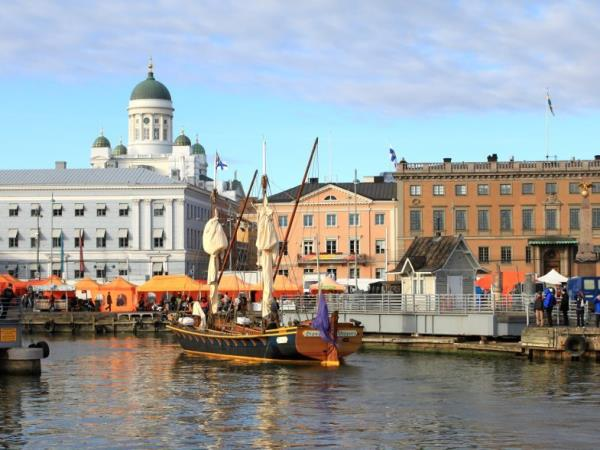 Helsinki city break, winter sports & gastronomy