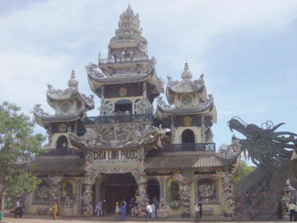 Tailor made family holiday in Vietnam