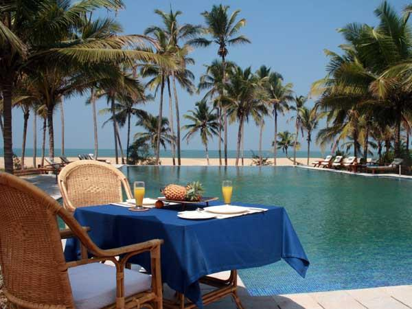 Southern India luxury train tour & beach holiday