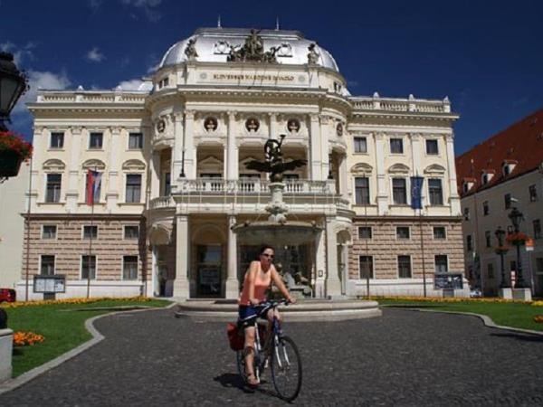 Vienna to Budapest cycle ride, self guided
