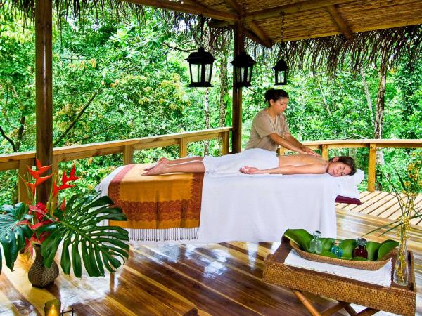 Luxury honeymoon to Costa Rica